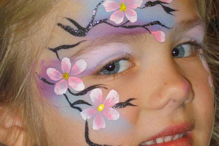 Børn og voksne de elsker at male små dyre børn monstre og