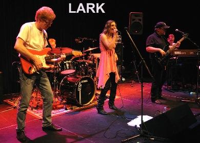LARK - Jeanne Lercke - poprockbooking